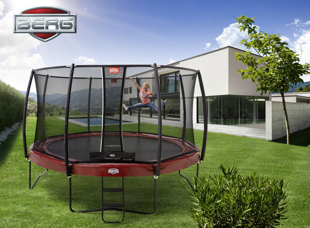 BERG_Elite+_red_430_+_Safety_Net_T-Series_with_girl